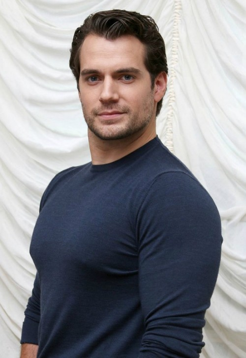 The-Man-from-UNCLE-Press-Conference-2015-Picture-Henry-Cavill.jpg